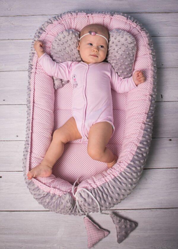 Babynestchen für Mädchen Farbe Rosa und Grau Minky mit Decke und Kissen online in Österreich kaufen