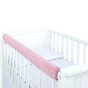 Obere Kantenschutz Beißschutz fürs Babybett Farbe Rosa aus Velvet gesteppt 116cm online kaufen Österreich und Deutschland